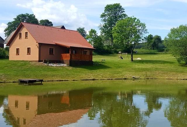 Chaty a chalupy u jezera 3